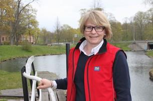 Informationschef i AB Göta Kanalbolag, Anna Meyer hoppas på stort stöd inför nyplanteringen av träden längs Göta Kanal.