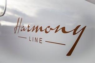 Konceptet Harmony Line innebär att dekor, tyger, material, inredning och design harmonierar.