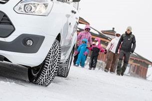 Vinnare i tidningen Husbilen Test vinterdäckstest - Nokian Hakkapeliitta C3.