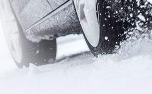 Husbilen Test: – Bra uppförande, bra bromsförmåga och acceleration på is och snö. Bra balans, neutralitet och styrförmåga. God bromsförmåga på torr asfalt.