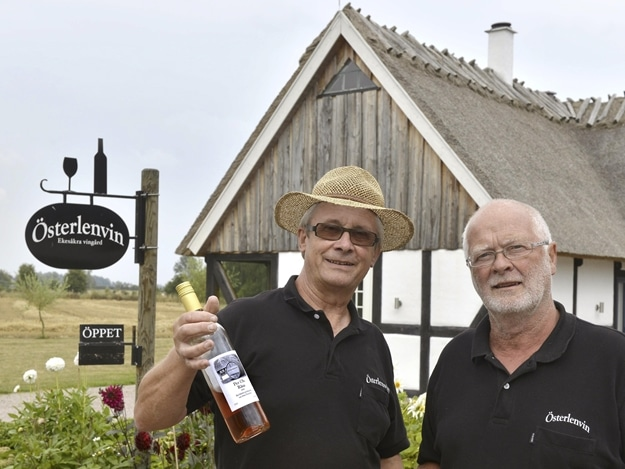 Thorsten Persson och Claes Ohlsson är grannarna bakom vinerna som går under namnet Per Ols.