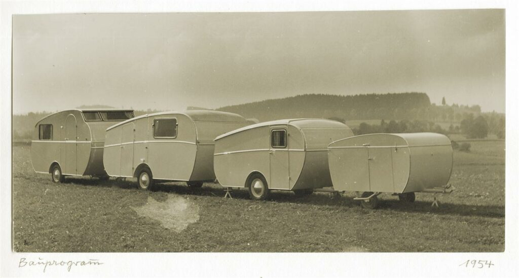 Löpande band-tillverkningen tog fart på 1960-talet. På 1970-talet var Dethleffs uppe i närmare 5000 husvagnar per år.