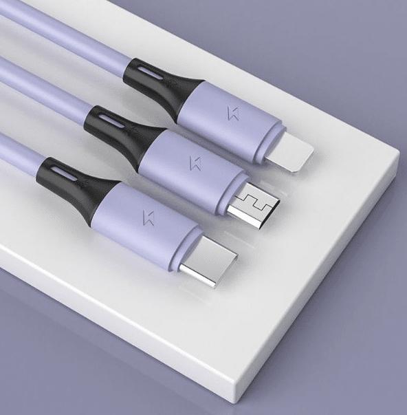 Ladd/synkkabel med lightning, USB-C och Micro-USB.