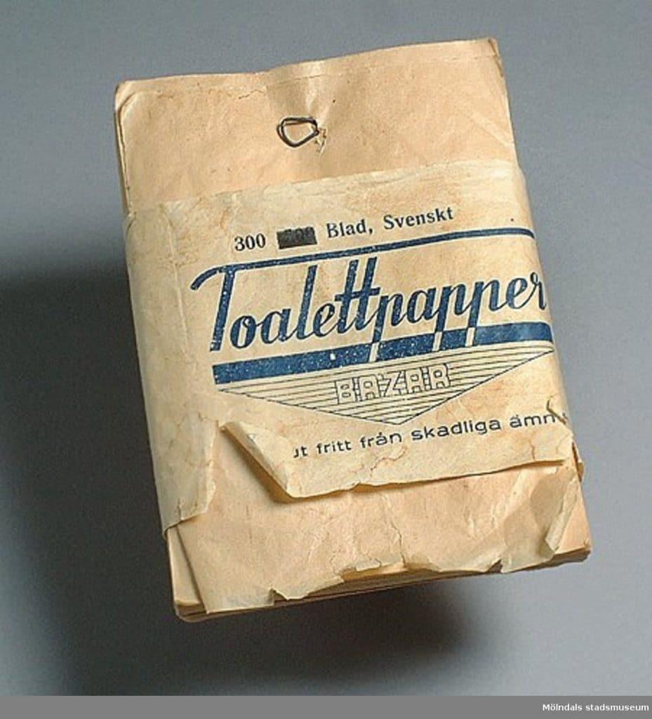 """Toalettpapper av märketBazar, 300 blad, från tiden för 2:a världskriget. """"Absolut fritt från skadliga ämnen""""."""