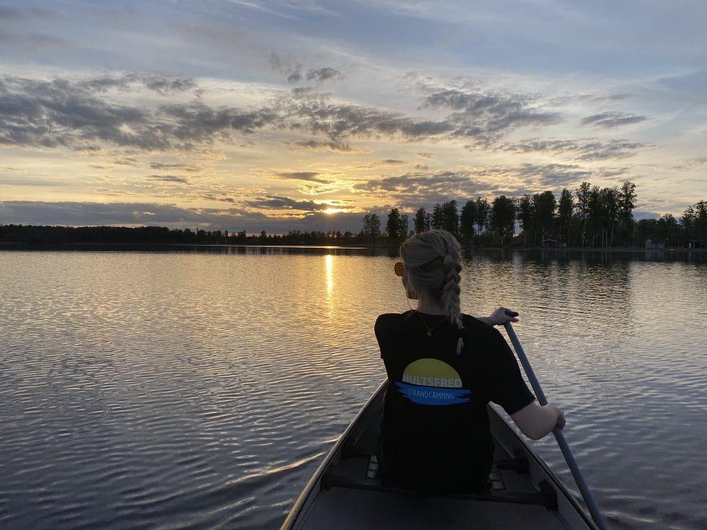 Campingen hyr ut kanoter, kajaker, trampbåtar och SUP-brädor.