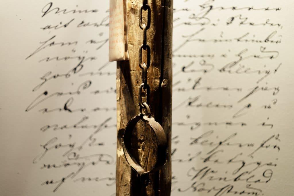 – Vi får ett kikhål rätt in i historien genom all den bevarade dokumentation som finns.