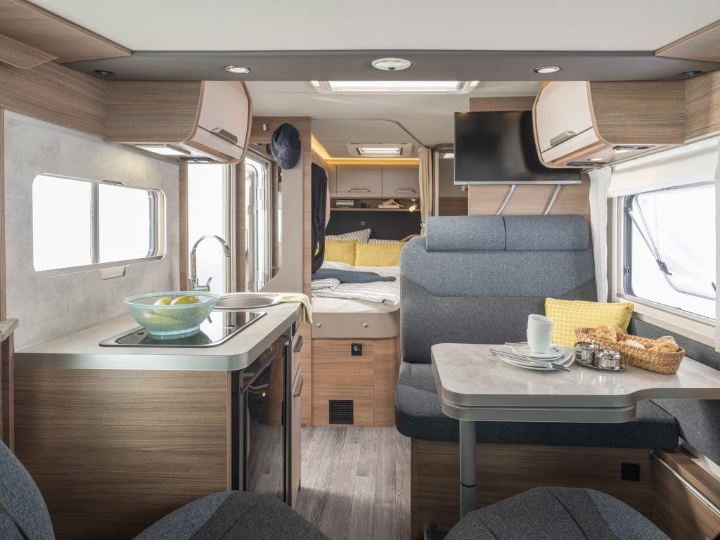 Nya Van I 550 MF med dubbelsäng och ny interiör.